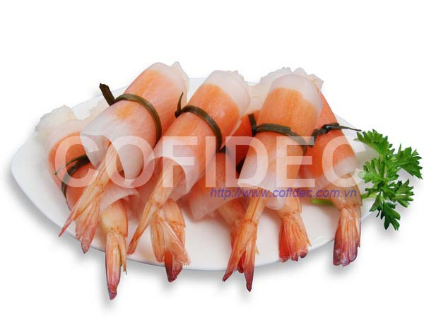Shrimp PTO rolled by carrot & radish